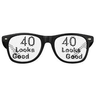 40 Looks Good © Funny 40th Birthday Gag Gift