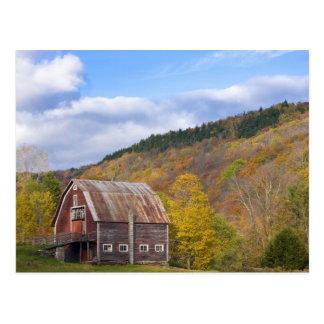 A barn in Vermont's Green Mountains. Hancock, 3 Postcard