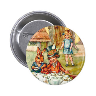 ALICE AND THE MAD HATTER'S TEA PARTY 6 CM ROUND BADGE