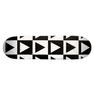 Black White Diamond Triangle and Square Pattern 20 Cm Skateboard Deck