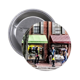 Boston Ma - Street With Candy Store And Bakery 6 Cm Round Badge