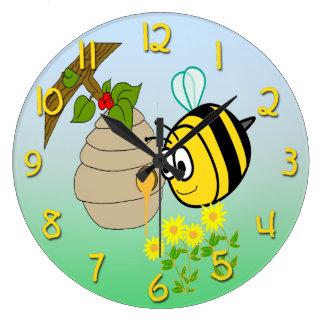 Busy Bee Cute Kid's Round Wall Clock