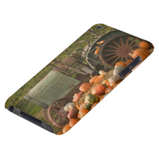 CANADA, British Columbia, Keremeos. Autumn / 2 Case-Mate iPod Touch Case