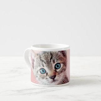 Cute kitten with blue eyes. espresso mug
