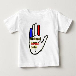 DO NOT TOUCH A MONNOTRE SARKO.png T-shirts