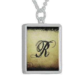 Elegant Initial Necklace (2) 'R'