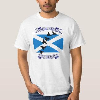 Free Scotland Saor Alba Go Bragh Bird T-Shirt