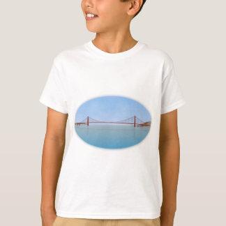 Golden Gate Bridge: 3D Model: Shirts