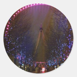 London eye red round sticker