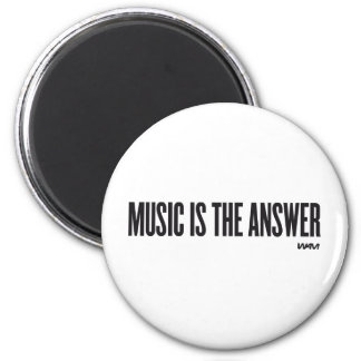 Music is the answer 6 cm round magnet