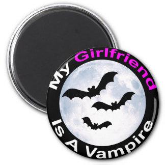 My Girlfriend Is A Vampire 6 Cm Round Magnet