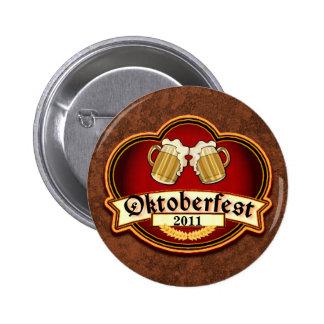 Oktoberfest Toast with Customizable Date 6 Cm Round Badge