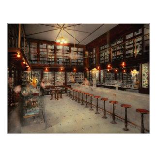 Pharmacy - Bertrams ghosts 1909 21.5 Cm X 28 Cm Flyer