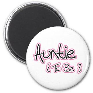Pink and Black Design for Aunts 6 Cm Round Magnet