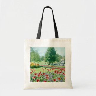Red Flowers in Valley Gardens, Harrogate, England Budget Tote Bag