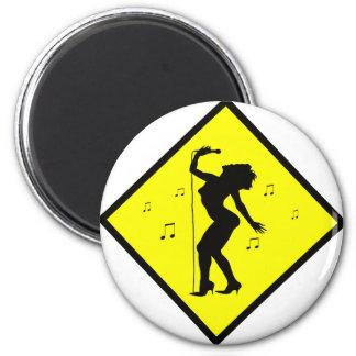 Singer Diva Crossing Sign 6 Cm Round Magnet