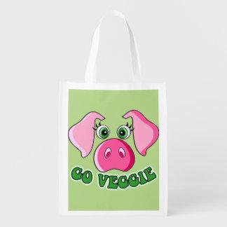 Vegetarian and vegan. Cute pig, go veggie