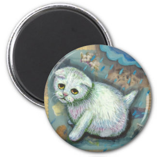 White cat in the rain 6 cm round magnet