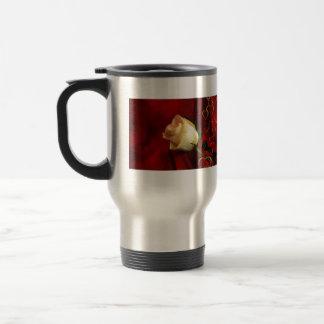 White rose on red background stainless steel travel mug