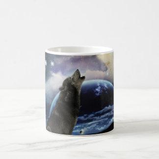 Wolf howling at the moon basic white mug